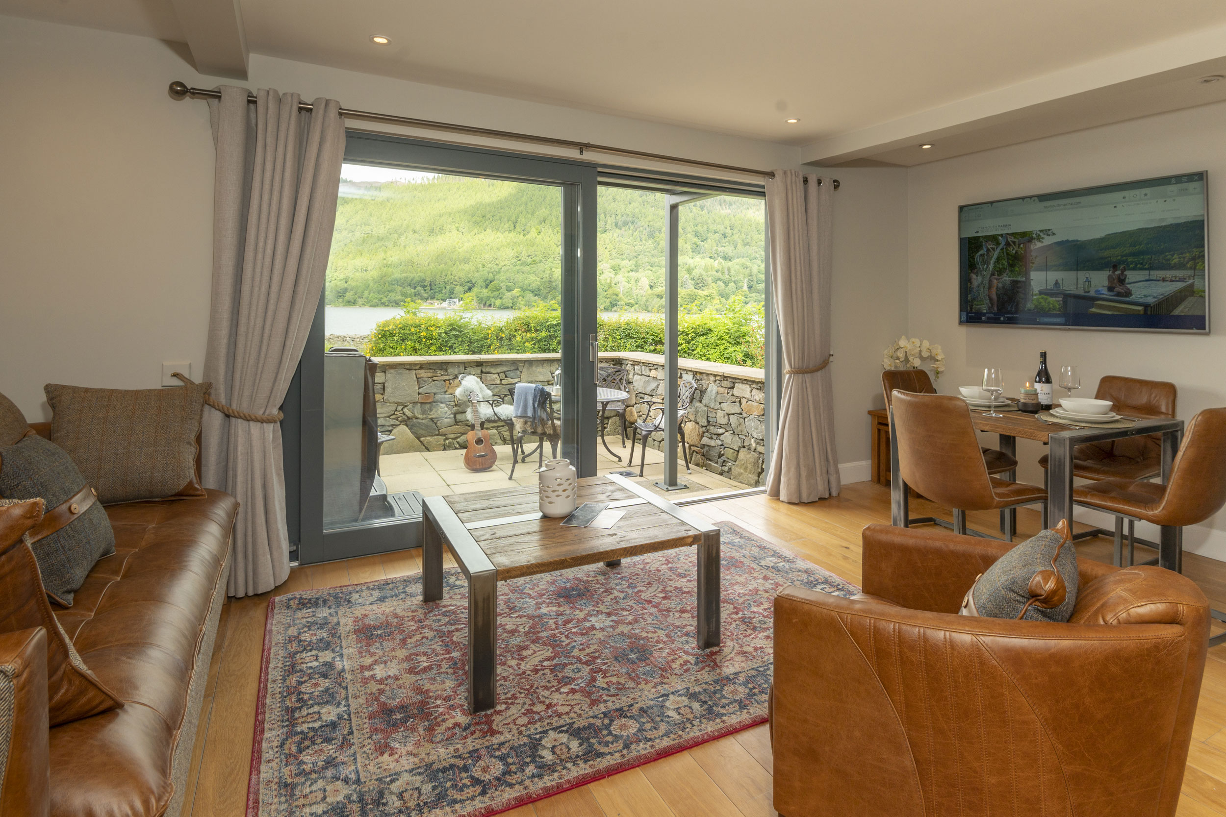 Space Open-plan Self Catering Accommodation In Perthshire