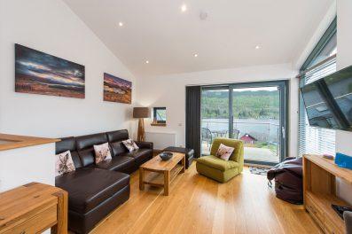 7-Lawers-View-sittingroom1